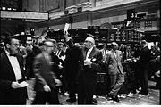 180px-NY_stock_exchange_traders_floor_LC-U9-10548-6