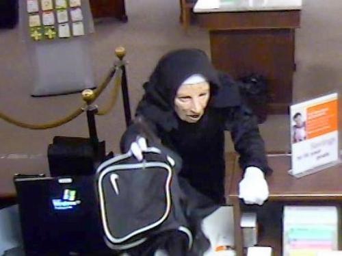 ct-met-aj-1-nuns-bank-robbers.jpg-20130204