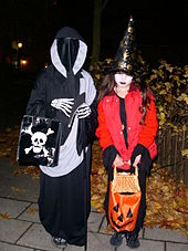 170px-Trick_or_treat_in_sweden
