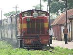 220px-Narrow_Gauge_Train_at_Rajim