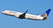 220px-United_Airlines_-_N14219_-_Flickr_-_skinnylawyer_(1)