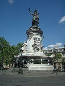 230px-Statue_place_République_Paris