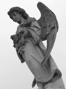 Statue_at_Metairie_Cemetery