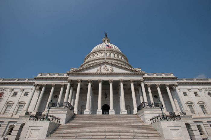 US_Capitol_Building,_East_side_steps_and_dome