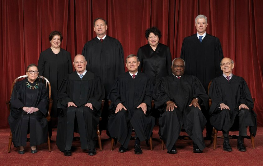1599px-Supreme_Court_of_the_United_States_-_Roberts_Court_2017